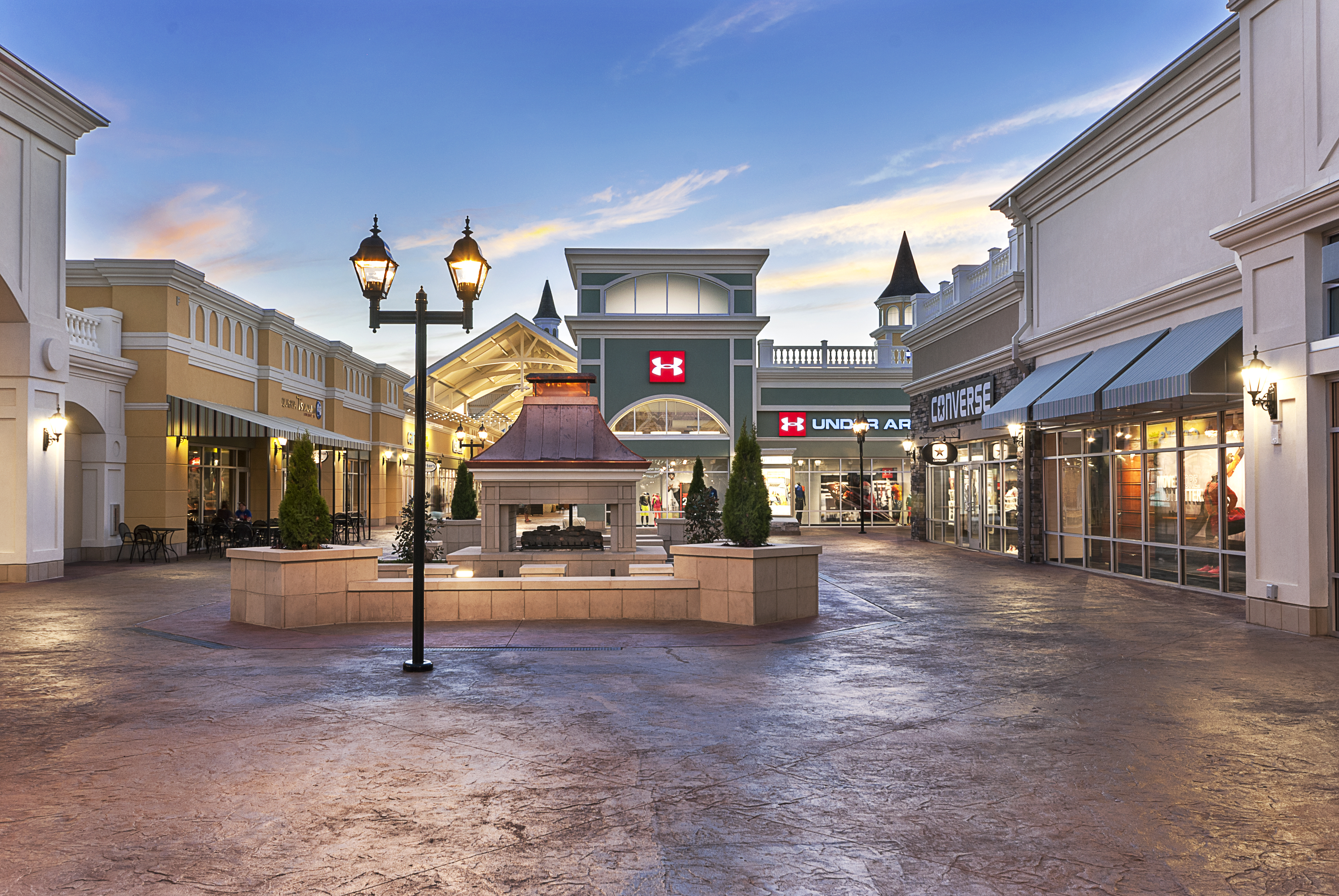 The outlet shopping center offers more than 80 stores. The Outlet Shoppes of the Bluegrass is is a , square feet outlet mall, located near by ISimpsonville, Kentucky.4/4(1).